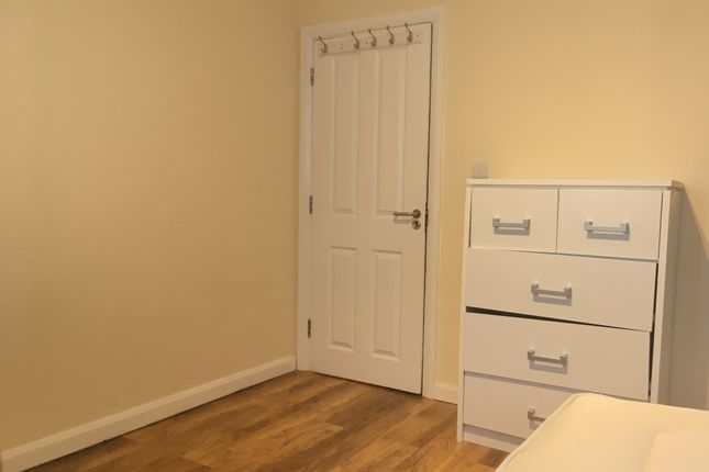 Thumbnail Room to rent in Dyways Road, Camberwell