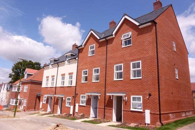 Thumbnail End terrace house to rent in Ellis Road, Broadbridge Heath, Horsham