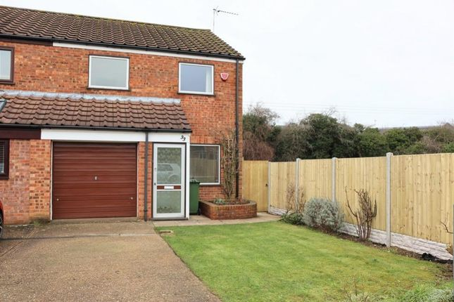 3 bed end terrace house to rent in Maple Grove, Woburn Sands, Milton Keynes, Buckinghamshire MK17