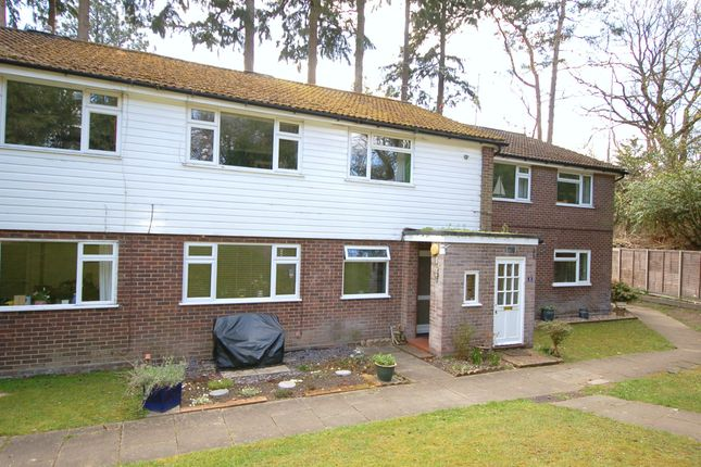 2 bed flat for sale in Burnham Manor, Gibbet Lane, Camberley GU15