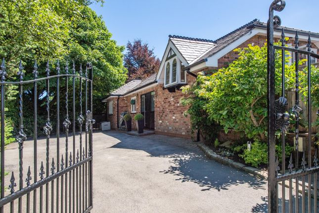 Thumbnail Detached house for sale in Mount Road, Hyde