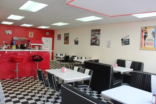 Thumbnail Commercial property for sale in Market Parade, Havant