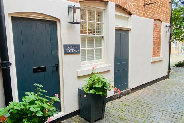 Thumbnail Town house to rent in Horninglow Street, Burton-On-Trent