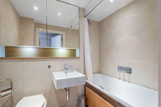 Bathroom of Yeo Street, Bow, London E3