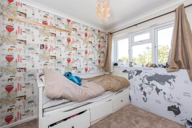 Bedroom of Tumbling Bay, Walton-On-Thames KT12