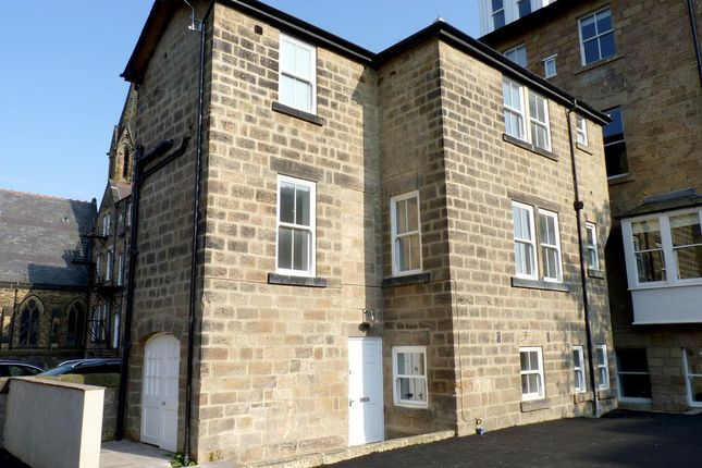Thumbnail Town house to rent in Victoria Avenue, Harrogate