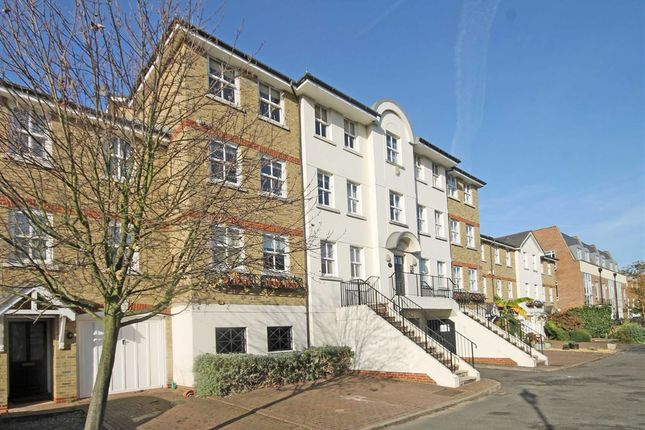2 bed flat to rent in Candler Mews, Amyand Park Road, Twickenham