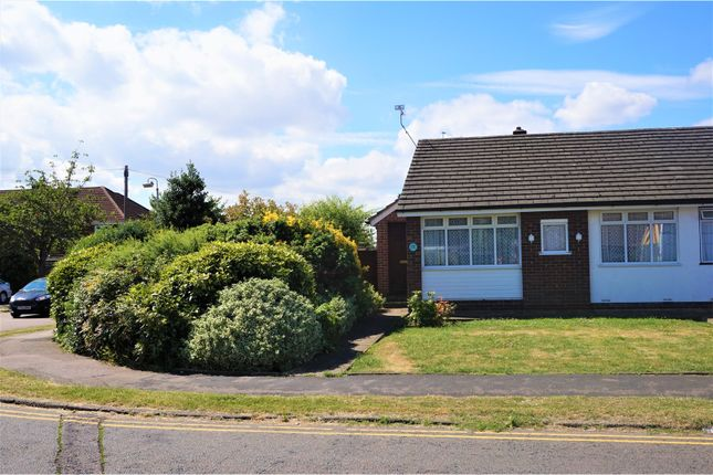 Thumbnail Bungalow for sale in Winton Drive, Waltham Cross