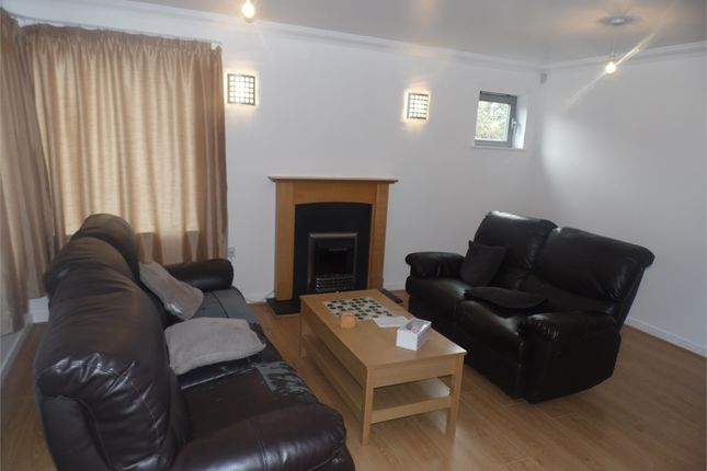 Thumbnail Flat to rent in Windmill Road, Slough, Berkshire