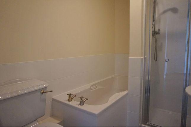Bathroom of 19 Strathmartine Road, Dundee DD3