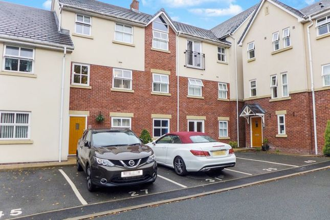 Thumbnail Flat to rent in Clarendon Gardens, Bromley Cross, Bolton