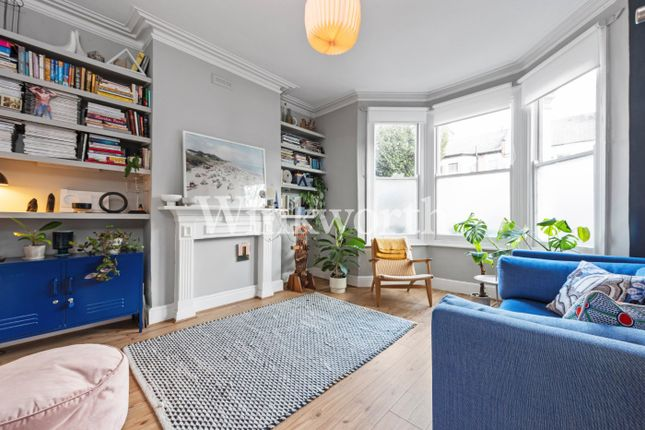 2 bed flat for sale in Chandos Road, London N17