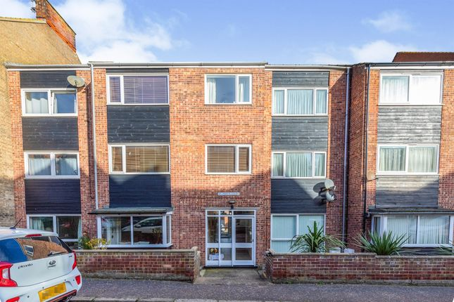 2 bed flat for sale in St. Marys Road, Cromer NR27