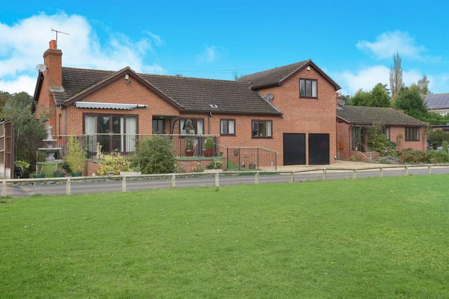 Thumbnail Detached house for sale in Severn Meadow, Astley Burf, Stourport-On-Severn
