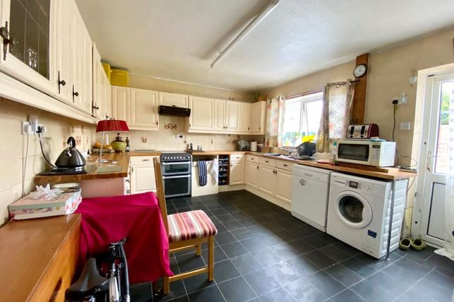 Picture No. 06 of Snelling Avenue, Northfleet, Kent DA11