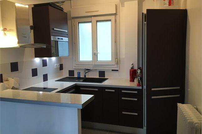 Thumbnail Apartment for sale in Île-De-France, Hauts-De-Seine, Courbevoie