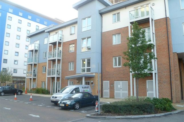 1 bed flat to rent in Foundry Court, Mill Street, Slough, Berkshire