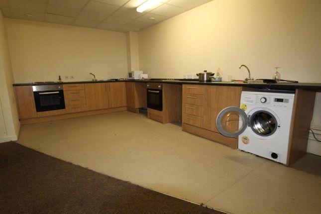 Communal Kitchen of Summerberry House, Bradford BD1