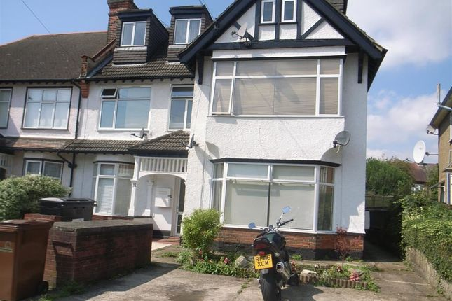 Flat for sale in Warren Road, Chingford, Chingford