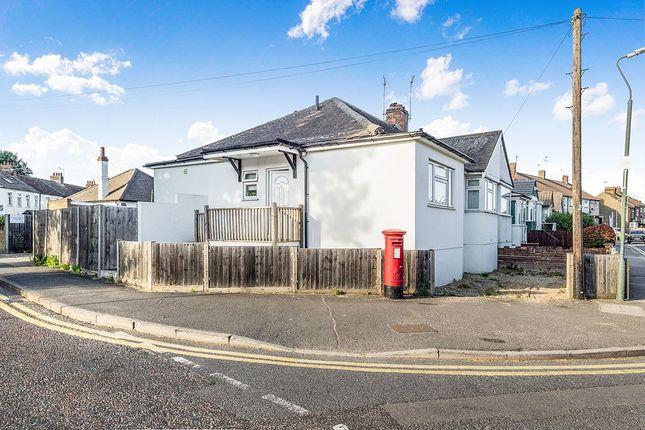 Thumbnail Bungalow to rent in Rushdene, London