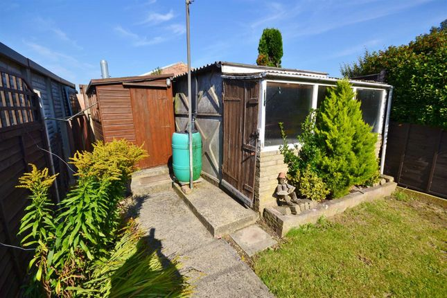 Thumbnail Terraced house to rent in Greystone Gardens, Ilford