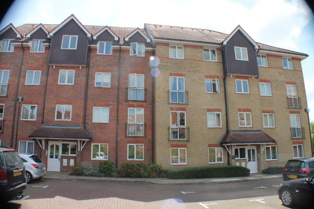 Thumbnail Flat to rent in Crane Mead, Ware