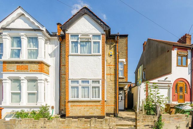 Thumbnail End terrace house to rent in Roland Road, Walthamstow