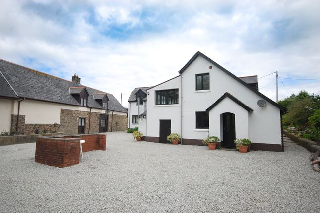 Thumbnail Barn conversion to rent in Alverdiscott Road, Bideford
