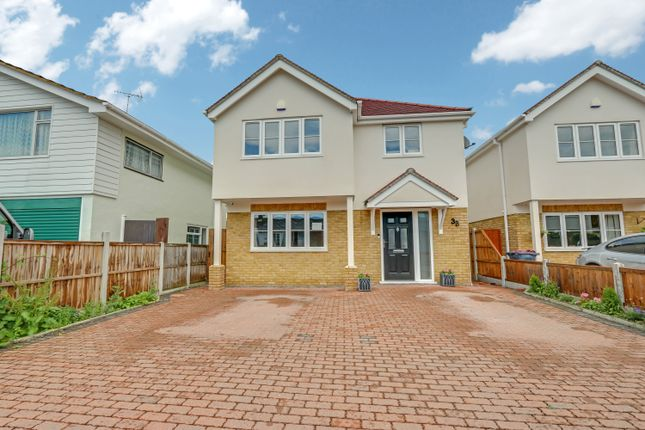 Thumbnail Detached house for sale in The Spinneys, Hockley