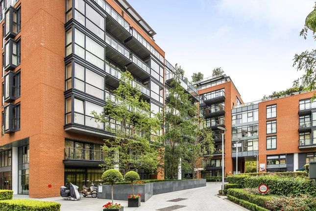 Exterior of Hepworth Court, Grosvenor Waterside, 30 Gatliff Road, Chelsea, London SW1W