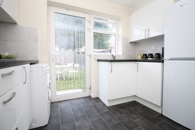 Kitchen of Brentwood Crescent, Southampton SO18