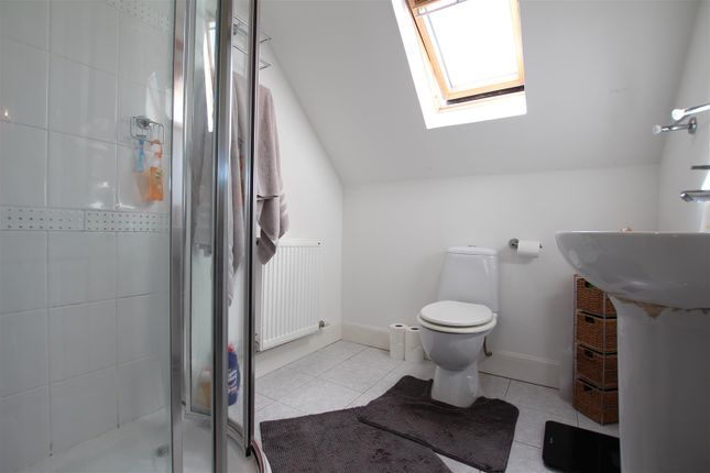 En-Suite of The Farmhouse, Blacktongue Farm, Greengairs, Airdrie ML6