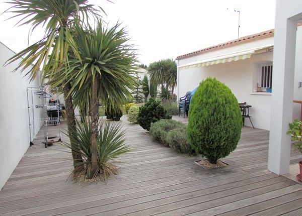 3 bed property for sale in 17000, La Rochelle, Fr