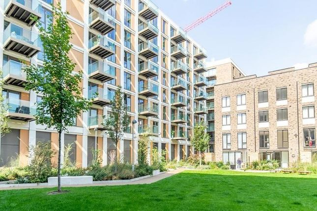 Thumbnail Flat to rent in Royal Wharf, Docklands, London