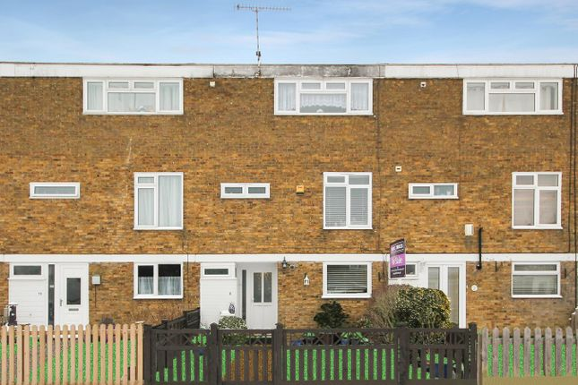 Thumbnail Property for sale in Gladwyns, Basildon