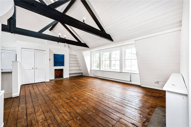 2 bed flat to rent in East Tenter Street, London E1
