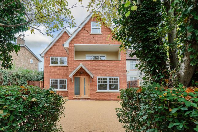 Thumbnail Flat for sale in Shenfield Road, Shenfield, Brentwood