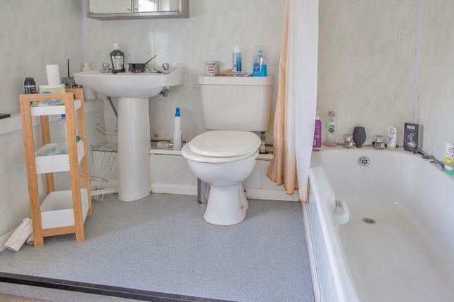 Img_4685Bathroom of Park View, Stockton-On-Tees TS18