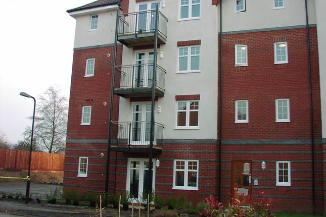 Thumbnail Flat to rent in Loveridge Way, Eastleigh, Hampshire