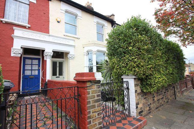 Thumbnail Flat to rent in Dagmar Road, Finsbury Park
