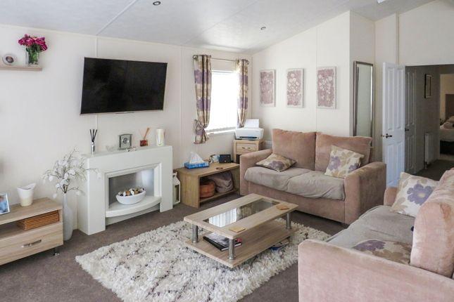 Lounge/Kitchen of Hook Lane, Warsash, Southampton SO31