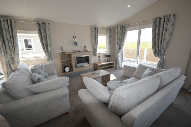 Thumbnail Lodge for sale in Winchelsea
