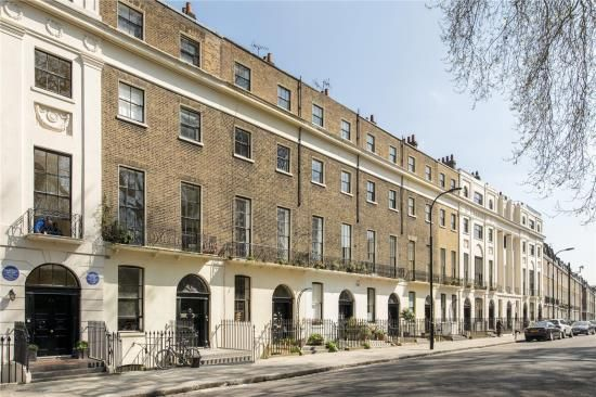 Thumbnail Flat for sale in Mecklenburgh Square, London