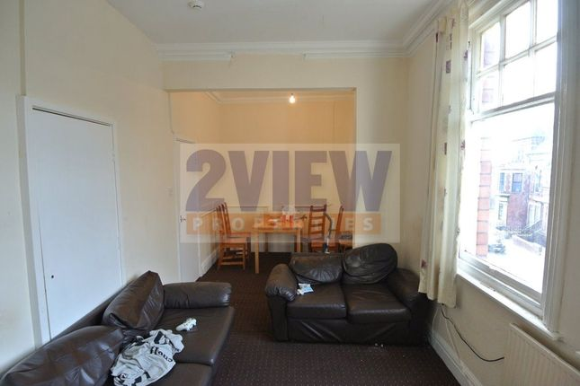 Thumbnail Flat to rent in Regent Park Avenue, Leeds, West Yorkshire