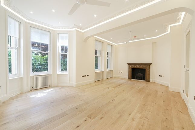 Thumbnail Flat to rent in Fitzjames Avenue, London