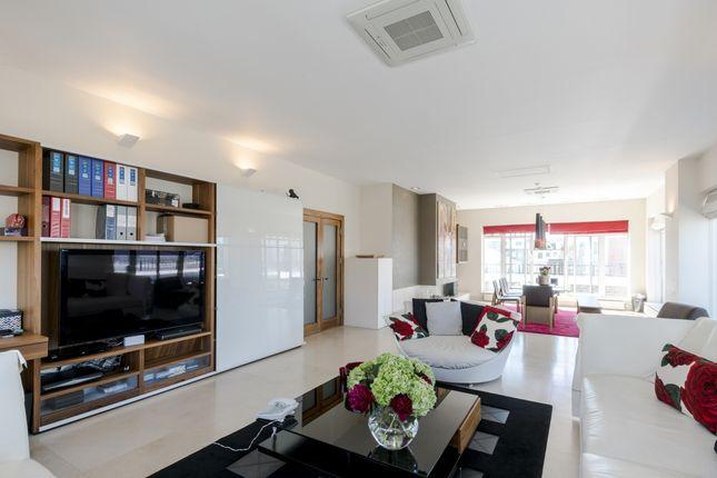 Thumbnail Flat to rent in Redwood Mansions, Chantry Square, Kensington, London, London