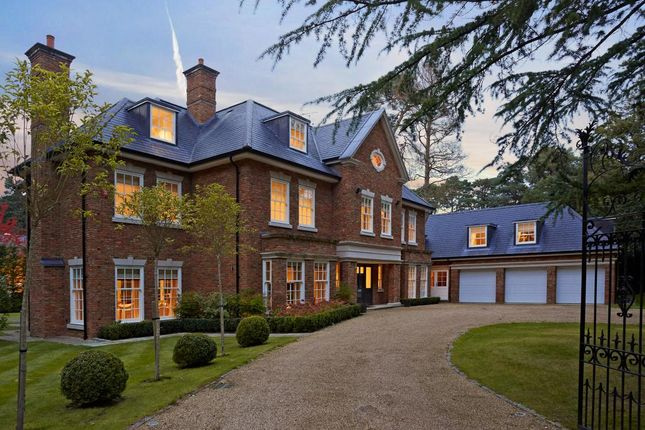 Thumbnail Detached house for sale in Heathfield Avenue, Sunninghill, Ascot