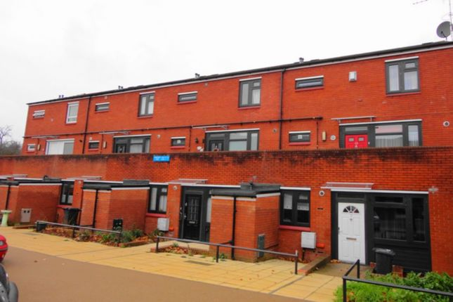 Thumbnail Flat to rent in Stoneycroft Close, Lee