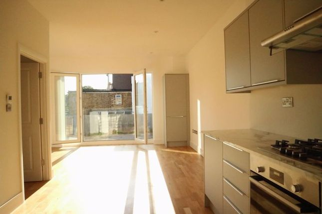Photo 23 of Canbury House, Selection Of 7 Luxury 1, 2 And 3 Bedroom Apartments, Richmond Road, North Kingston KT2