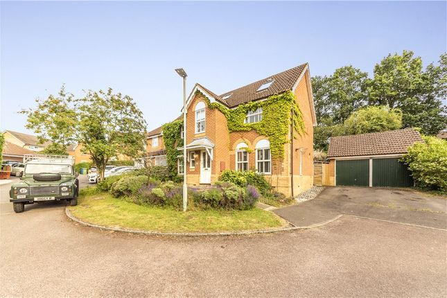 Detached house in  Yorkshire Place  Warfield  Bracknell R Reading